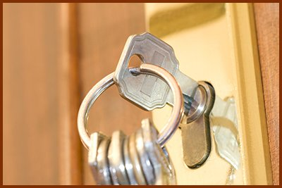 Locksmith Key Shop Sherman Oaks, CA 818-492-3076